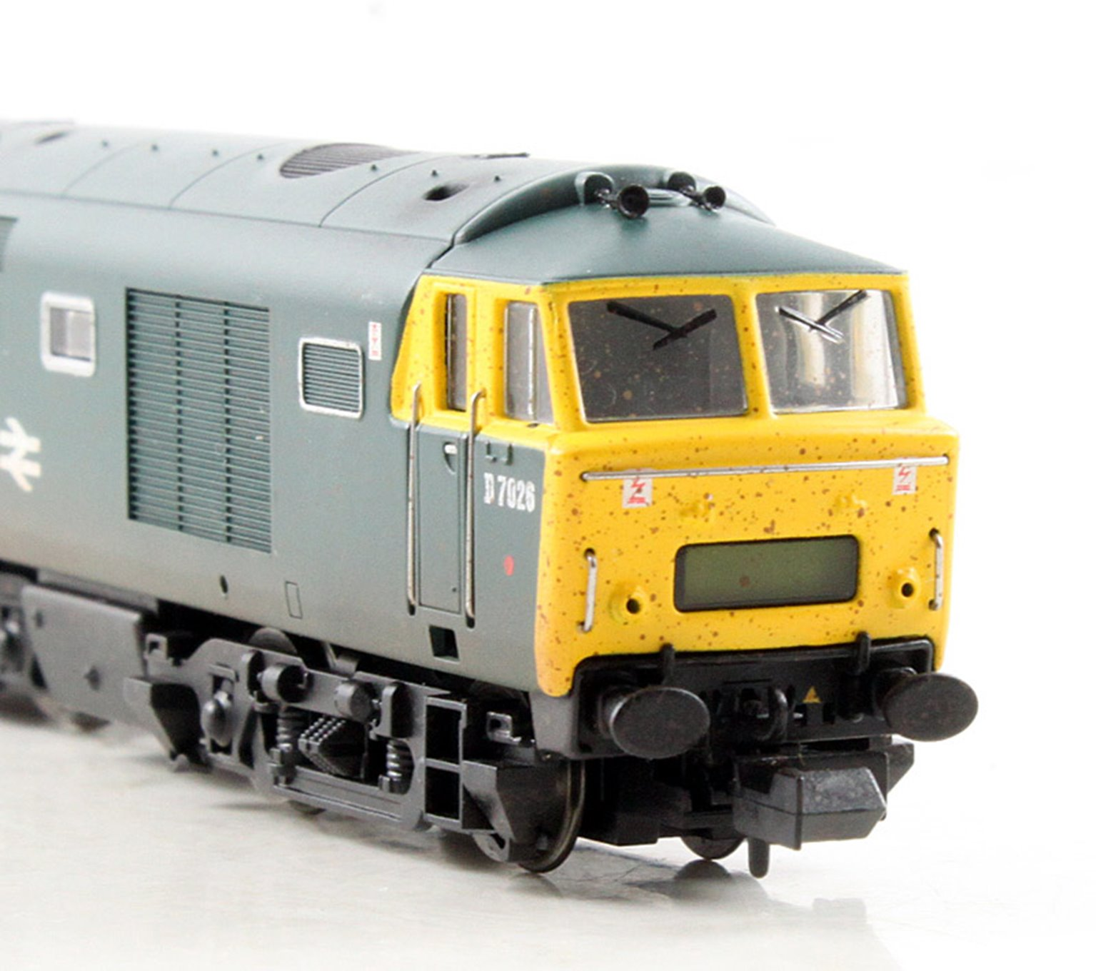 Class 35 Hymek #D7026 in BR blue with full yellow ends - weathered - DCC Fitted