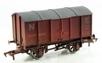 NE Gunpowder Van #71418 - Weathered