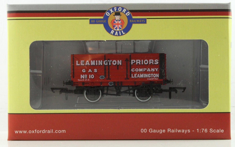 7 plank wagon 10 Leamington Priors Gas Mineral Wagon