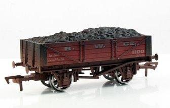 B W Co 4 Plank Wagon - Weathered