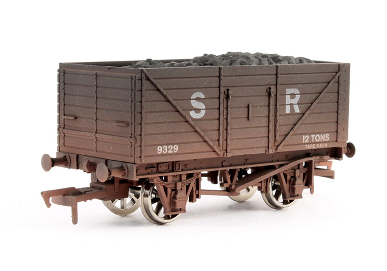 Dapol 8 Plank Southern Railways #9329 Weathered