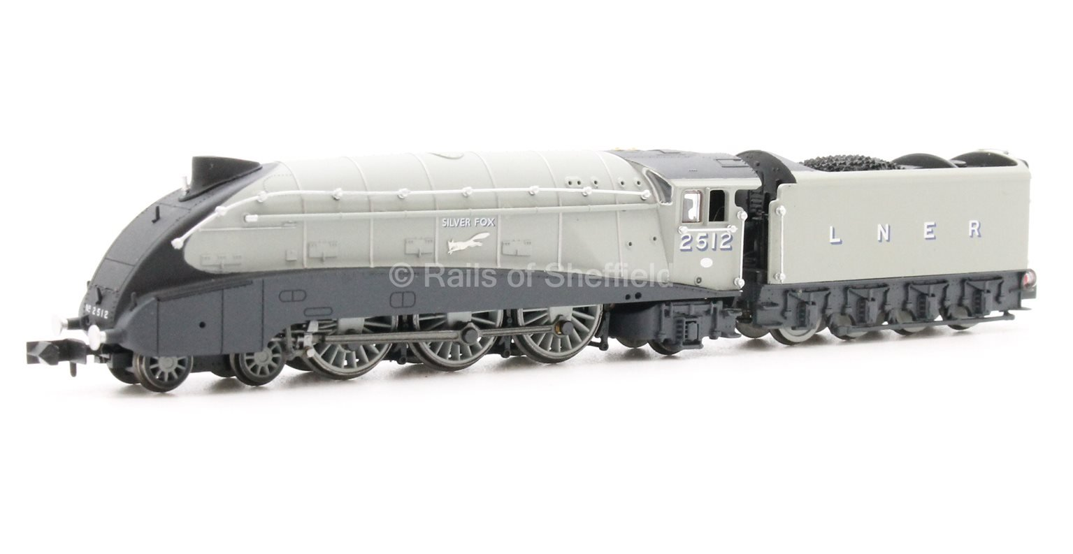 "Class A4 4-6-2 2512 ""Silver Fox"" in LNER grey with valances - DCC Fitted"