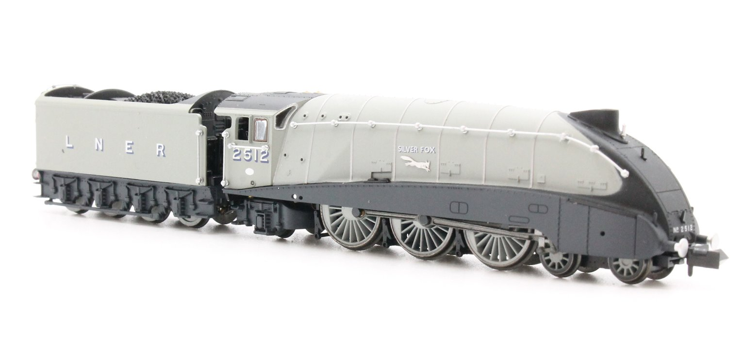 "Class A4 4-6-2 2512 ""Silver Fox"" in LNER grey with valances"