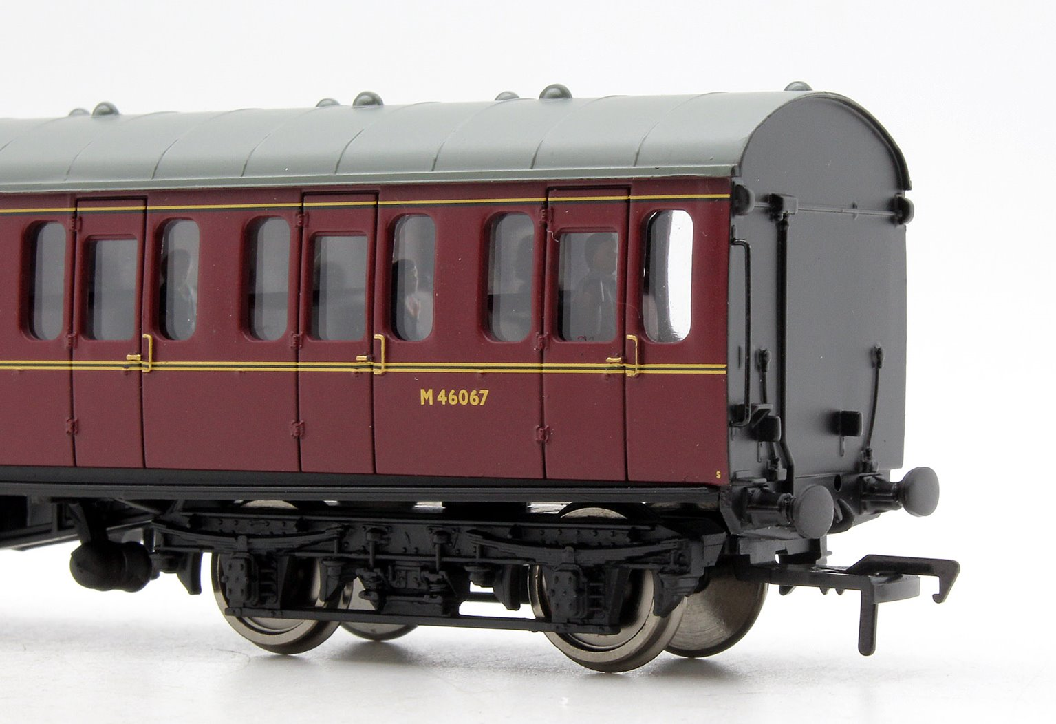 BR MK1 Suburban Open BR Lined Maroon Coach