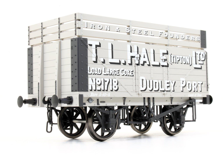 7 Plank Coke Wagon T.L.Hale Ltd No.1718 (Three Coke Rails)