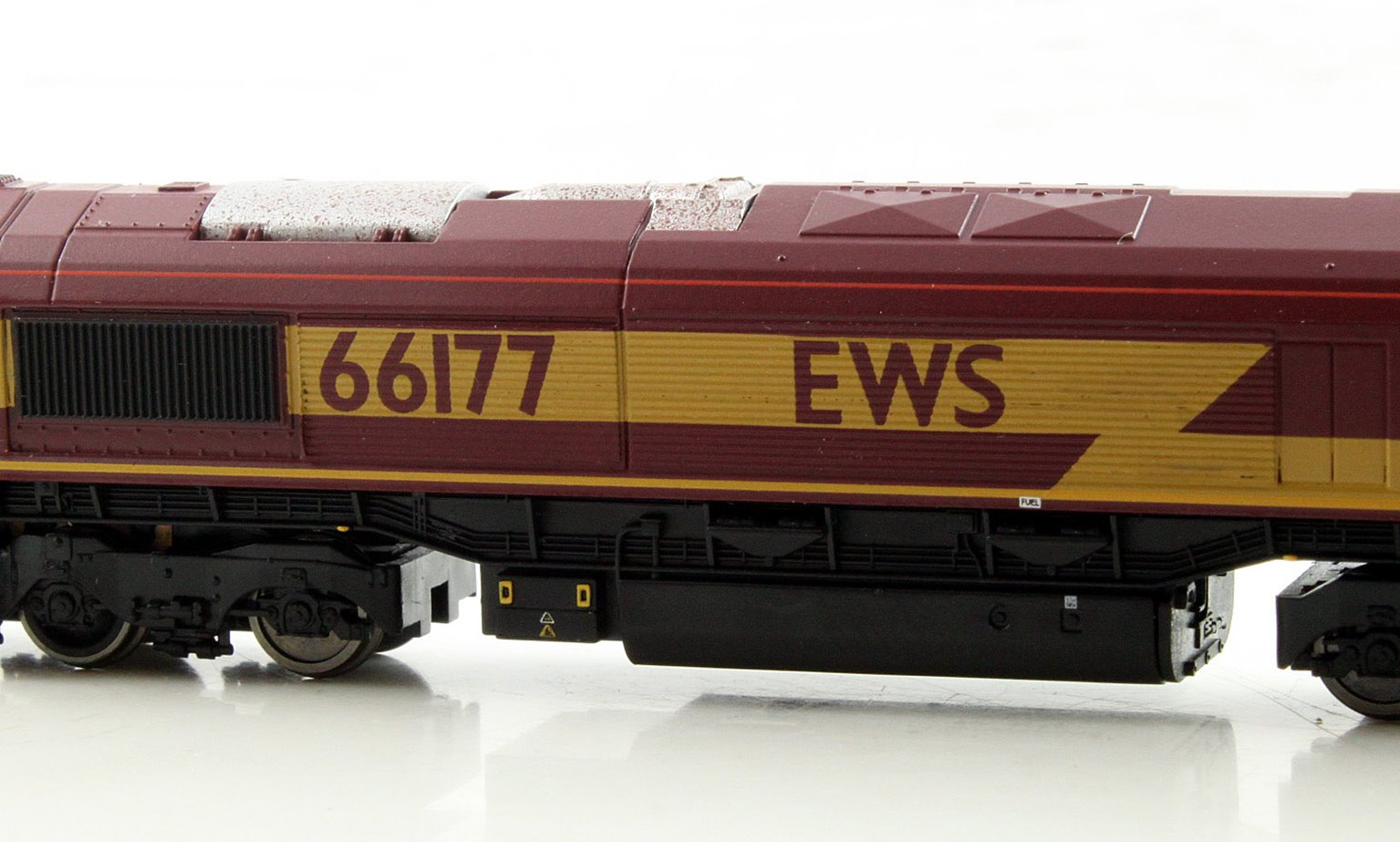 Class 66 EWS 66177 White Cab Roof DCC Fitted