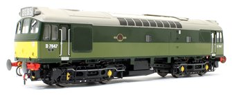 Class 25/3 - D7647 BR Two Tone Green with small yellow panels