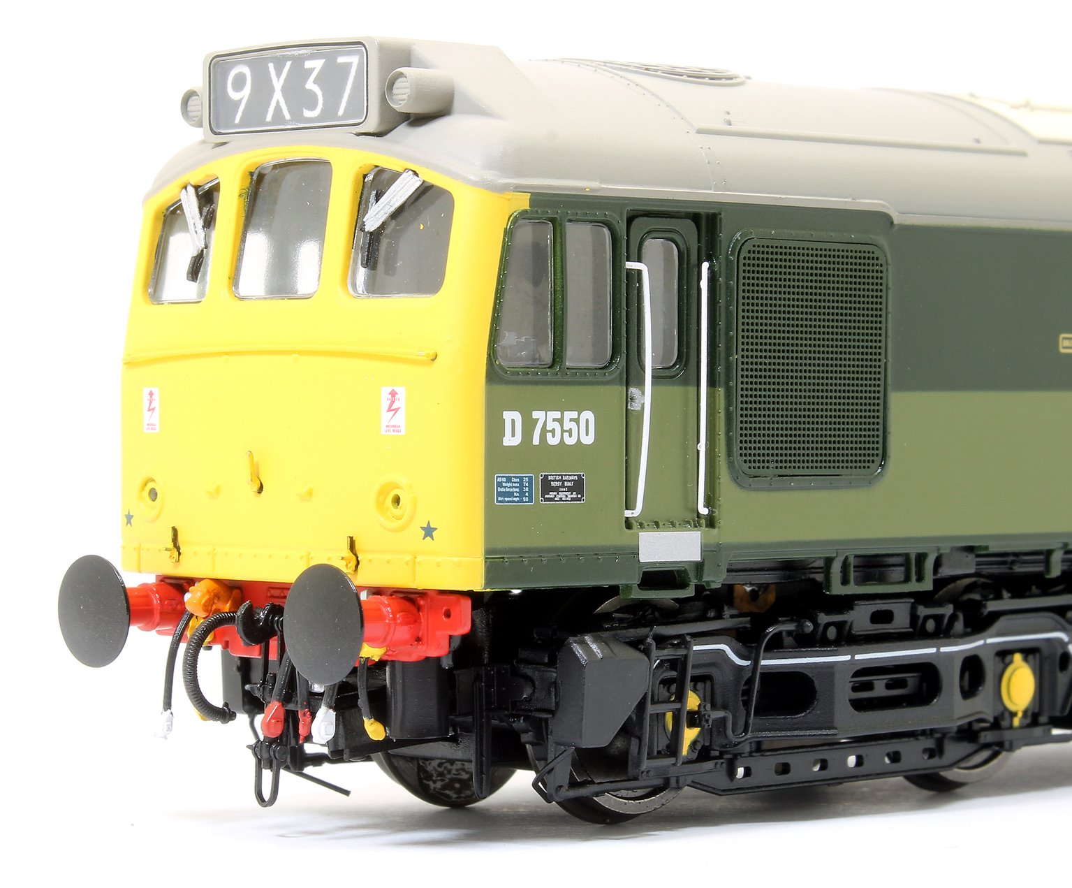 Class 25/3 - D7550 BR Two Tone Green with full yellow ends and BR Blue data panel