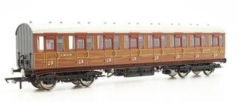 LNER Gresley Non-vestibuled Suburban 3rd Class Coach, Teak '21022'