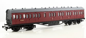 57ft Stanier Non Corridor Composite Coach BR Unlined Carmine Red #M16671