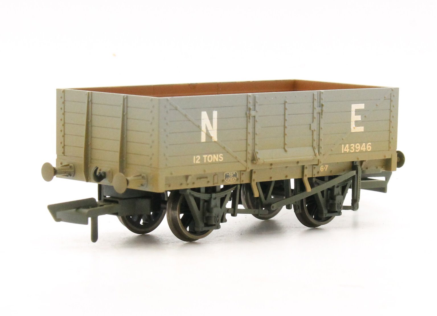 6 Plank Mineral Wagon LNER Weathered