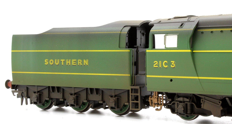 Custom Finished SR 4-6-2 (Original) Merchant Navy Class 'Royal Mail' Locomotive 2IC3 Weathered