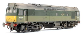 Class 25/3 - D5244 BR Two tone Green with small yellow panels (Weathered)
