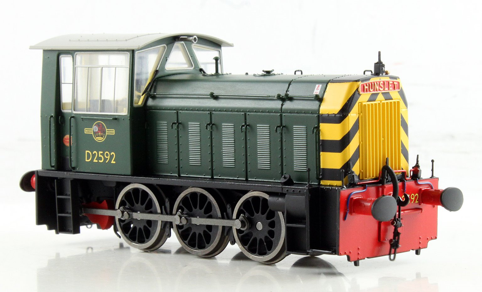 BR Hunslet Class 05 Diesel Shunter #D2592 BR Green with Wasp Stripes - Type