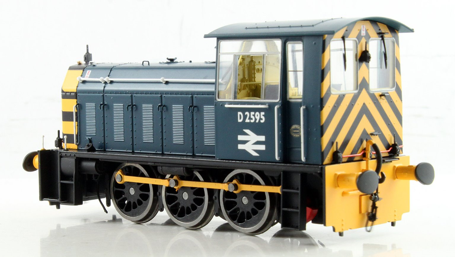 BR Hunslet Class 05 Diesel Shunter #D2595 BR Blue with Wasp Stripes (Preserved) - Type B
