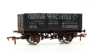 "Dapol 4F-071-135 7 Plank open wagon ""Cardigan Merchantile"" - Weathered"