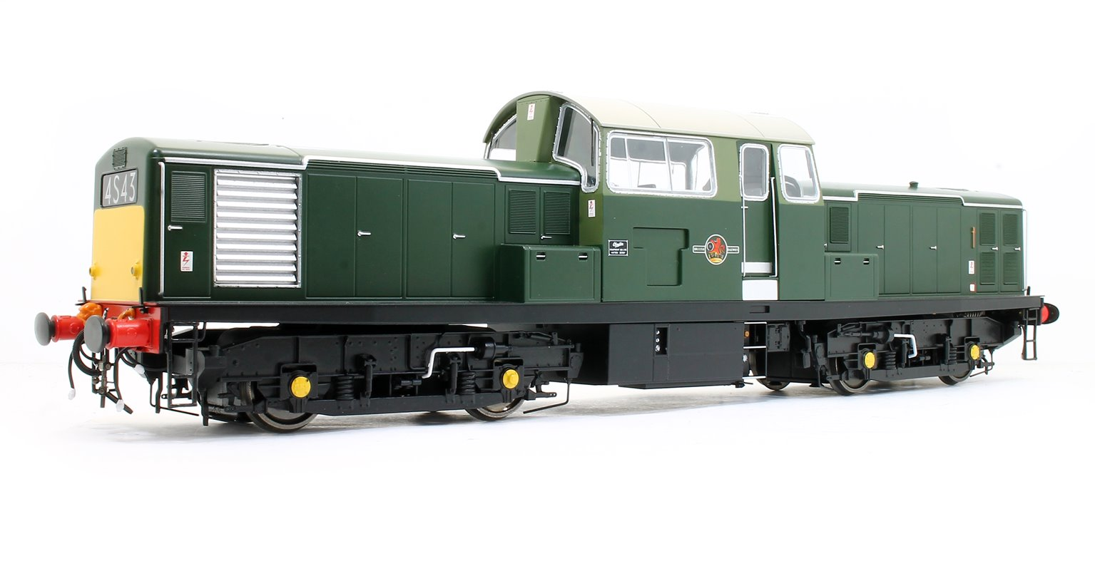Class 17 Clayton BR green unnumbered (small yellow panel)