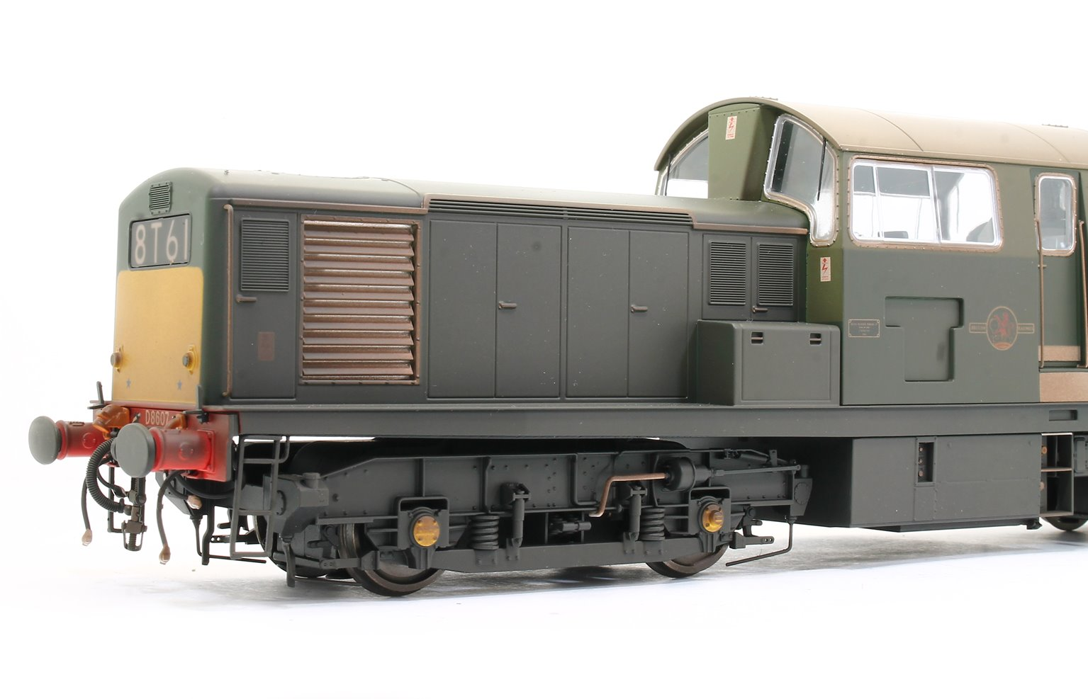 Class 17 Clayton BR green D8607 (small yellow panel) WEATHERED