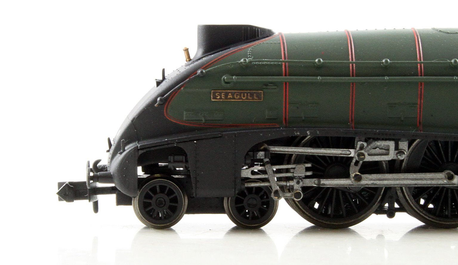 "Class A4 steam locomotive 60033 ""Seagull"" in BR green with early crest & double chimney"