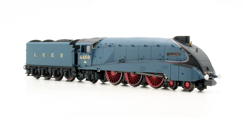 """Class A4 4-6-2 #4468 """"Mallard"""" in LNER garter blue with valances"""