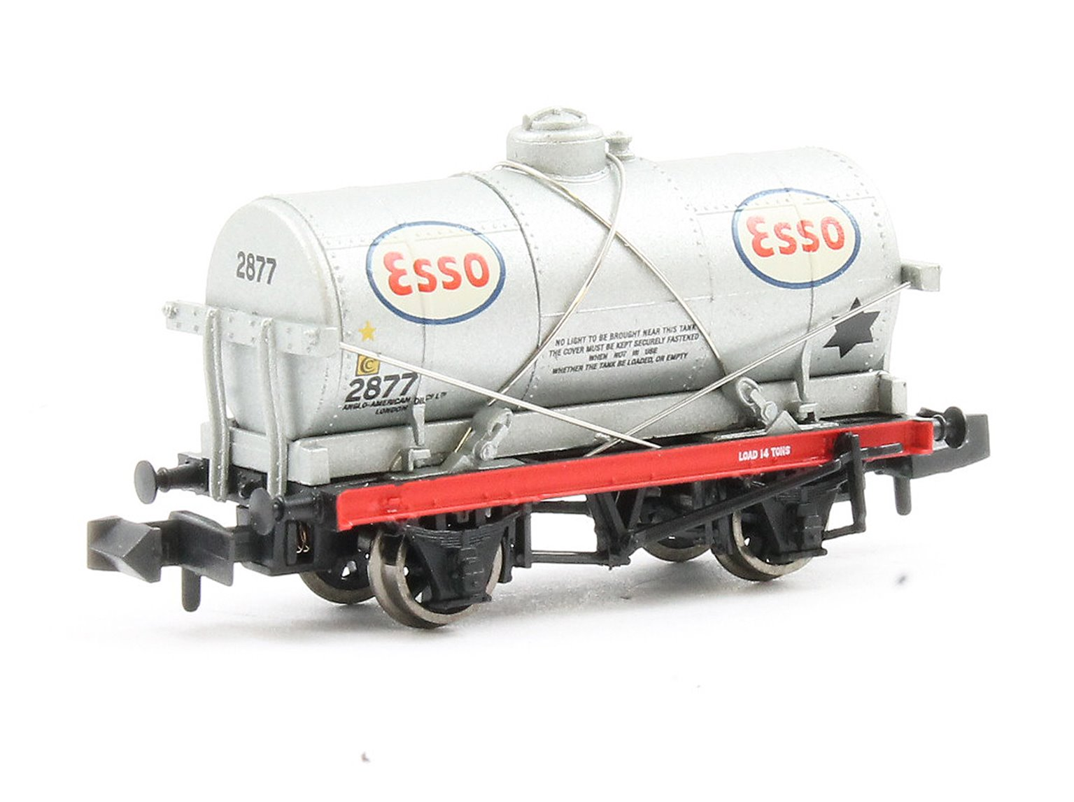 N Scale 14 Ton Tank Wagon with Large Filler 'ESSO'