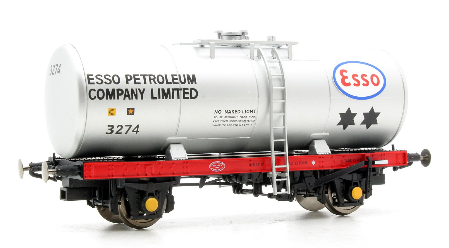 A Tank ESSO 3274 (silver with ESSO PETROLEUM lettering on barrel)