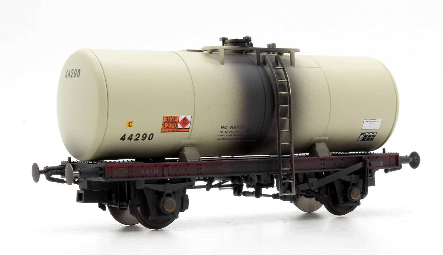 A Tank ESSO 44290 (grey - 1980's era with Hazchem symbols) Weathered