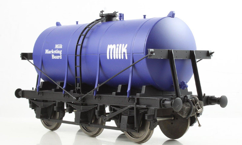 6 Wheel Milk Tanker Milk Marketing Board