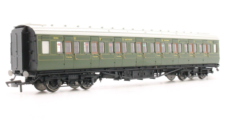SR Maunsell Corridor Third Class 1224, Olive