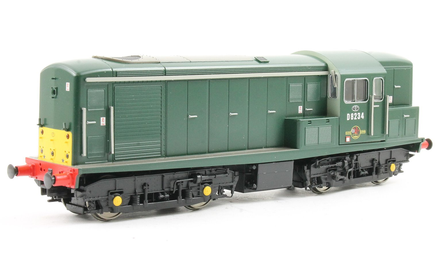 Class 15 D8234 in Green with SYP Gloss finish as Liverpool St pilot