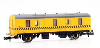 BR MK 1 CCT BR Re-Railing Yellow with Black Hatch Line