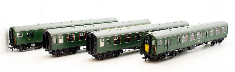 Class 411 4CEP 4 Car EMU 7122 BR(SR) Green Small Yellow Warning Panel