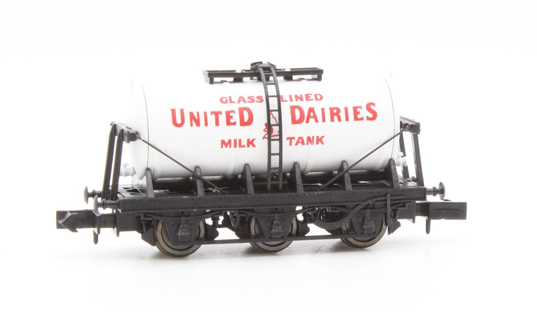 6 Wheel Milk Tanker United Dairies 44018