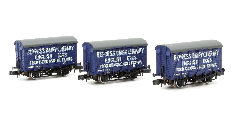 Triple Pack Southern Ventilated Vans 'Express Dairies Eggs'