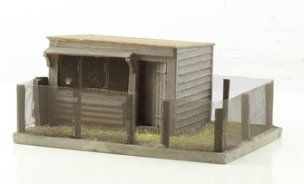 Pendon Sunny Side Chicken Coop 91mm x 67mm x 37mm