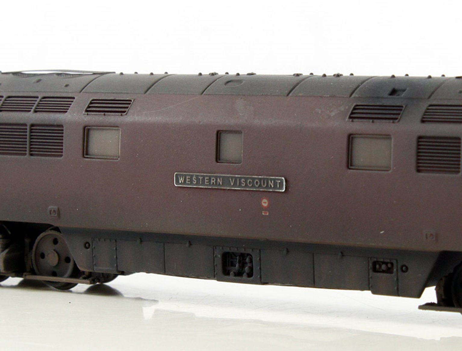 BR #D1045 Western Viscount Maroon Full Yellow Ends-  Weathered