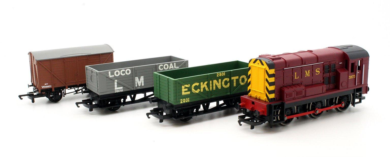 Hornby RailRoad Diesel Freight Train Pack
