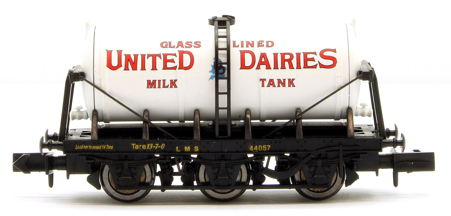 6 Wheel Milk Tanker United Dairies