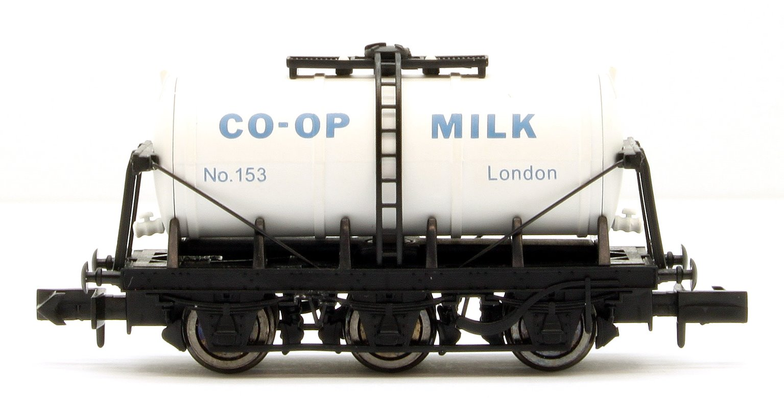 6 Wheel Milk Tanker Co-op London