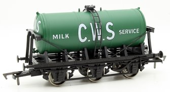 6 Wheel Milk Tanker CWS Green 4409