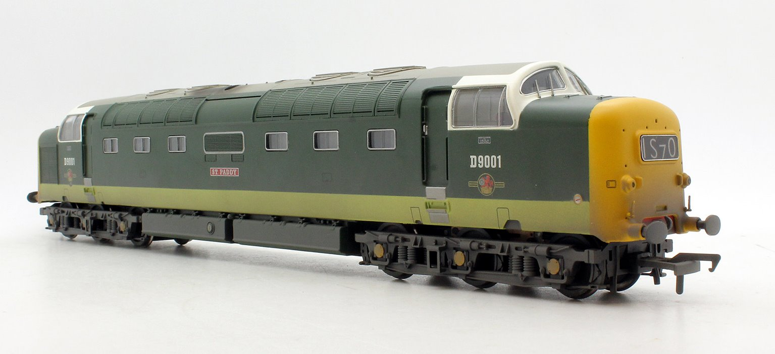 Class 55 D9001 'St. Paddy' BR Two-Tone Green Weathered