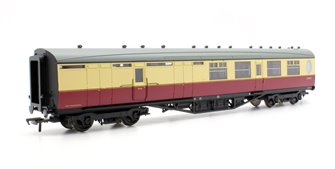 Thompson 3rd Class Brake Corridor BR Crimson & Cream E1922E