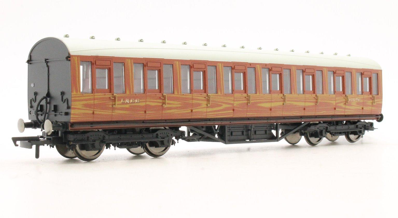 LNER Thompson Non-corridor 3rd Class Coach, Teak '82646'
