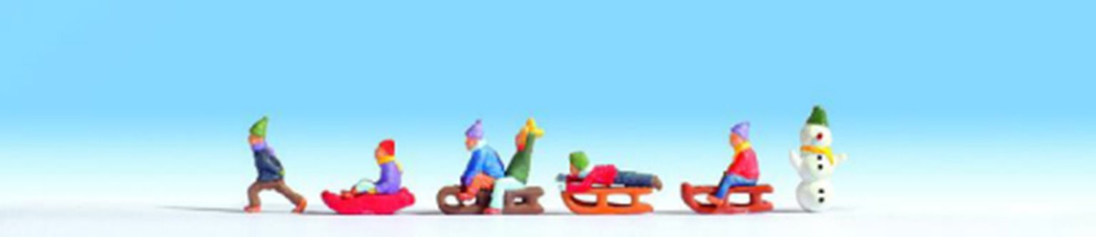N15819 Children in the Snow (6) and Accessories Figure Set