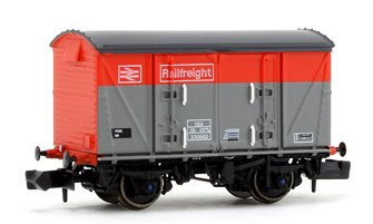 BR Railfreight Red/Grey (Pristine) VEA Munitions Van #230060