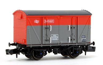 BR Railfreight Red/Grey (Pristine) VEA Munitions Van #230063
