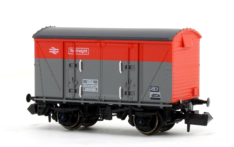 BR Railfreight Red/Grey (Pristine) VEA Munitions Van #230063