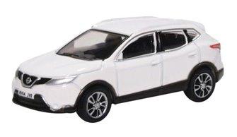 Nissan Qashqai J11 Storm White