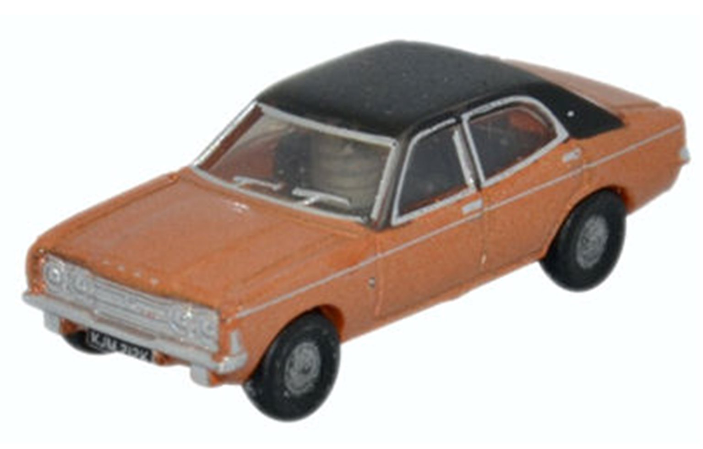 Ford Cortina MkIII Gold