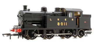 Class N7 LNER Black 0-6-2 Tank Locomotive No.8011 DCC Sound